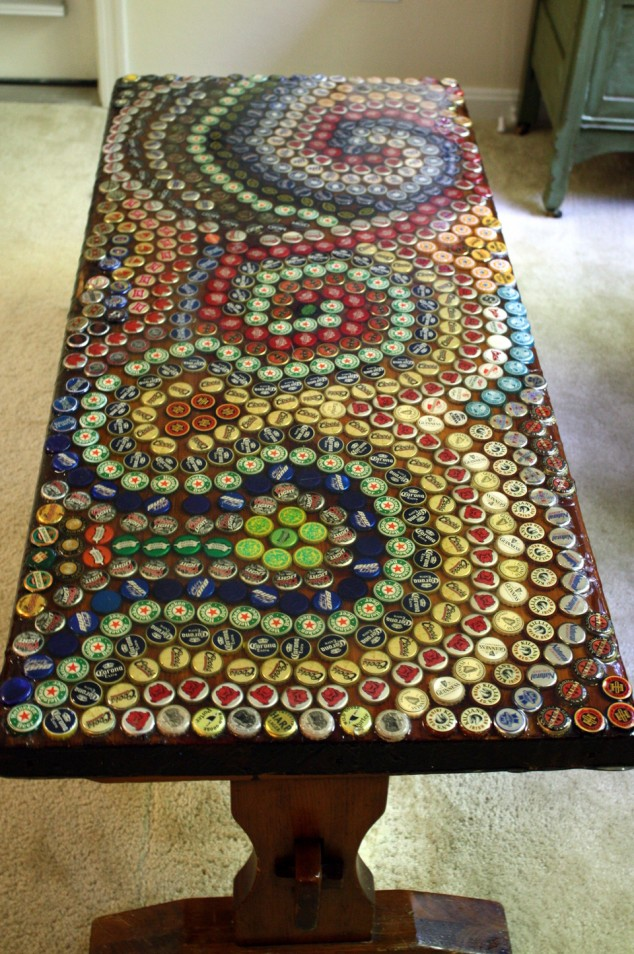 17 creative diy bottle cap art and craft ideas to reuse for Cool bottle cap designs