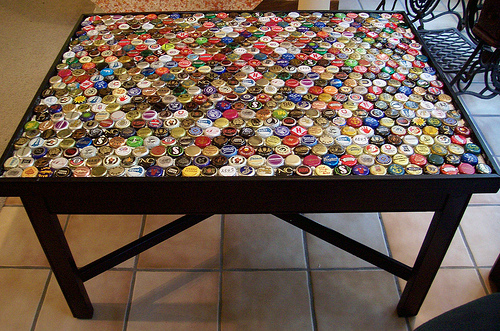 17 creative diy bottle cap art and craft ideas to reuse for How to make bottle cap crafts