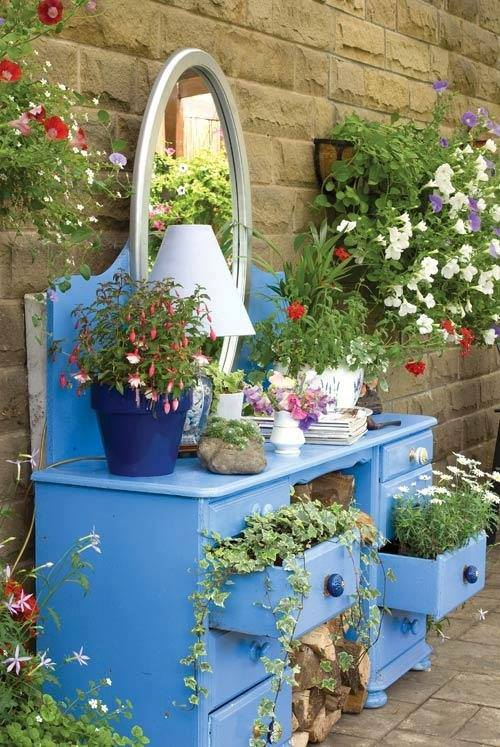 14 DIY Gardening Ideas To Make Your Garden Look Awesome in ... on Easy Diy Garden Decor id=21044