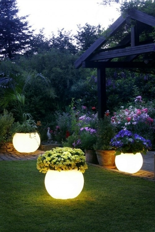 diy garden crafts diy garden decor and projects11