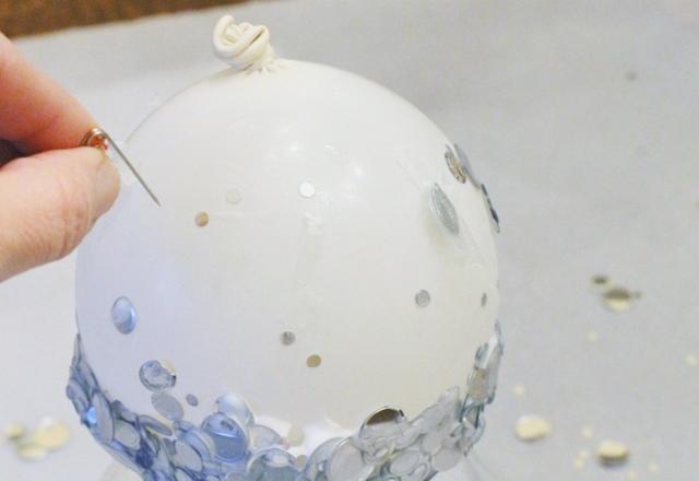 diy ideas balloon bowl DIY Yarn Bowls craft25