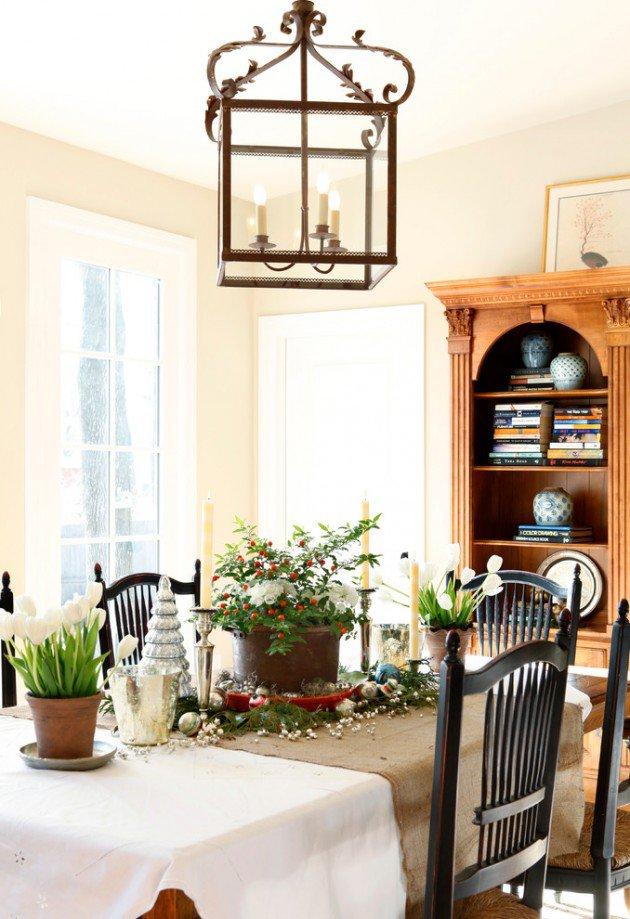 17 magical christmas dining table decoration ideas for Christmas dining room ideas