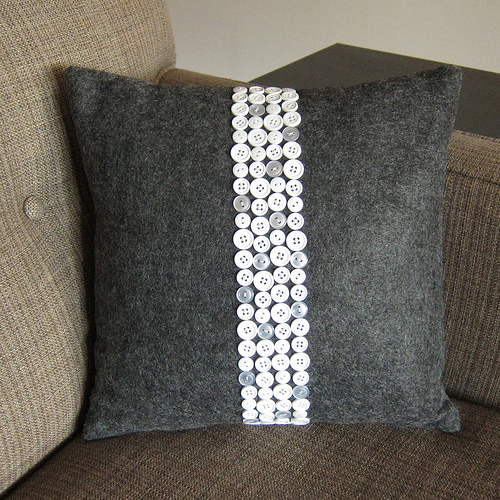 diy button crafts button pillow