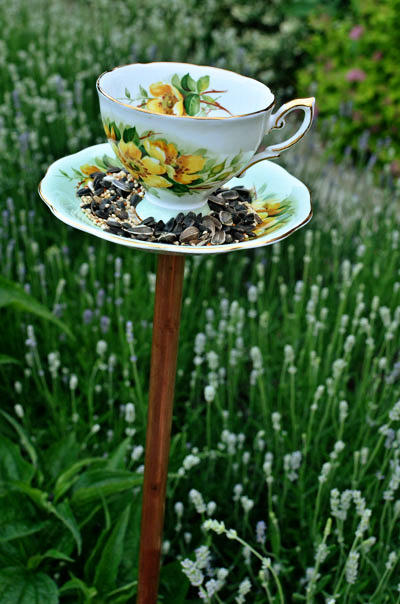 DIY handmade ideas ways-to-recycle reuse upcycle vintage-teacups crafts