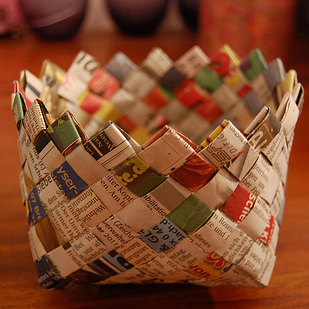 diy recycled paper magzine craft ideas2