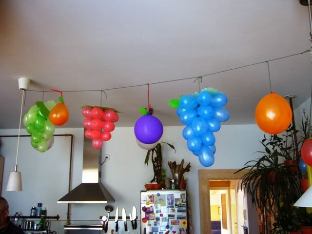 7 lovable very easy balloon decoration ideas part 1 for Balloon decoration at home