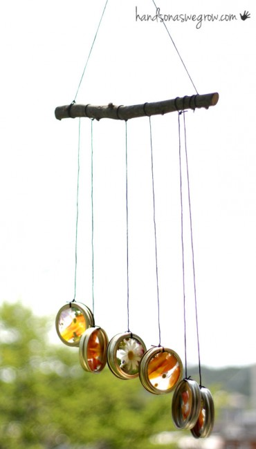 6 interesting diy wind chimes ideas to try this summer for Homemade chimes