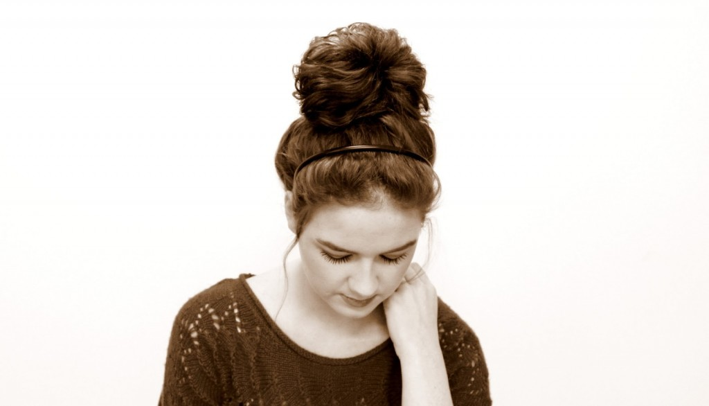 14 Very Easy Do It Yourself Messy Bun Tutorial