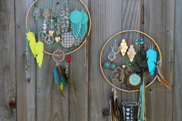 14 The Most Beautiful DIY Jewelry Holder Ideas