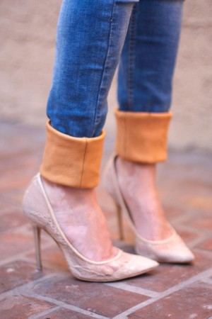 7 Stylish DIY Ideas On How to Cuff Jeans Like a Pro