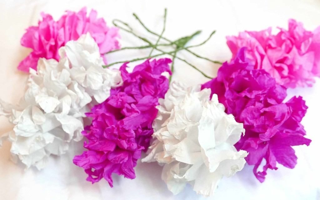 how-to-make-crepe-paper-flowers