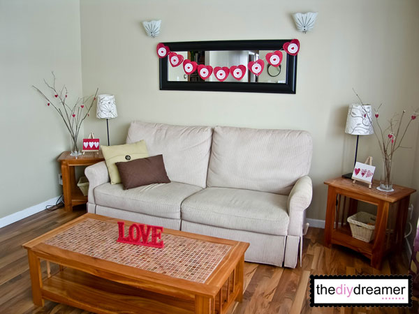 20 easy diy home decor ideas for valentines days for Home decorations for valentine s day
