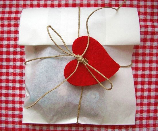gift wrapping ideas for Valentines Days