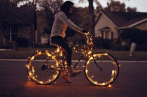 23 Stunning DIY Decoration To Do With String Lights