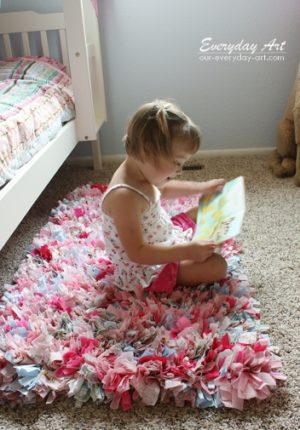 How to Make This Adorable Rag Rug At Home