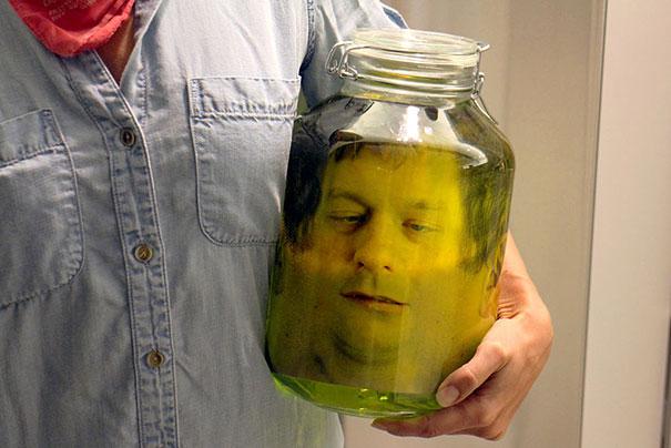 diy-fake-decapitated-head-prank-3