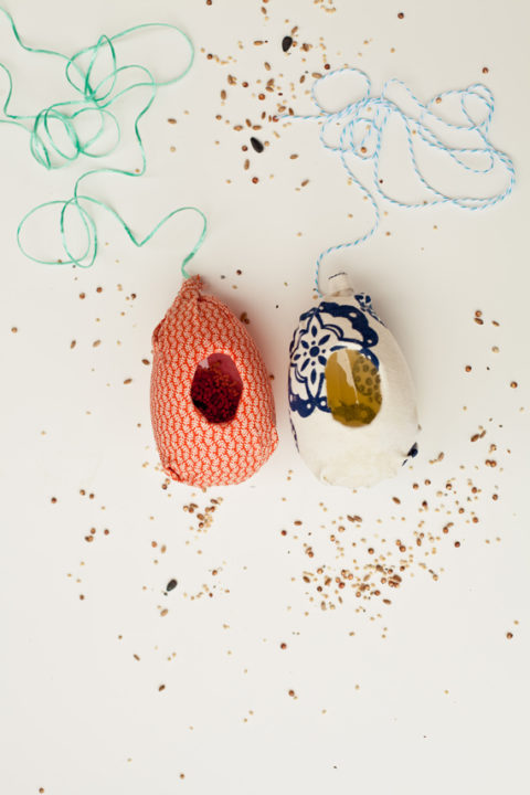 Plastic-Egg-DIY-Bird-Feeders