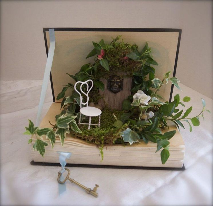 Attirant Once Upon A Time Fairy Centerpiece