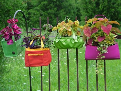 11 DIY Backyard Decoration Ideas : Make Your Garden Unique